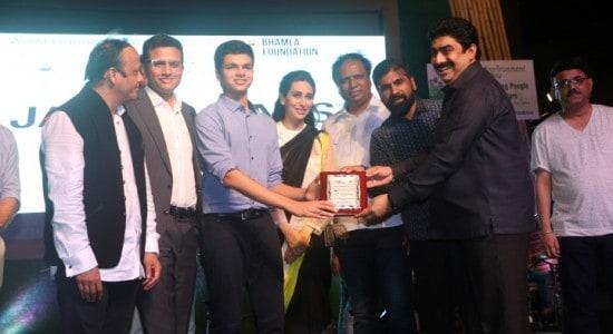sidharth, runwal-receiving-the-award-small