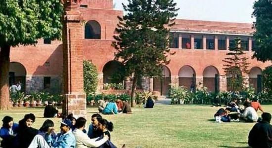 IndiaTv04a964_delhi-university